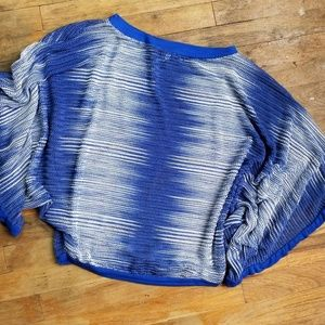 Studio Y mesh top wide sleeves size XS